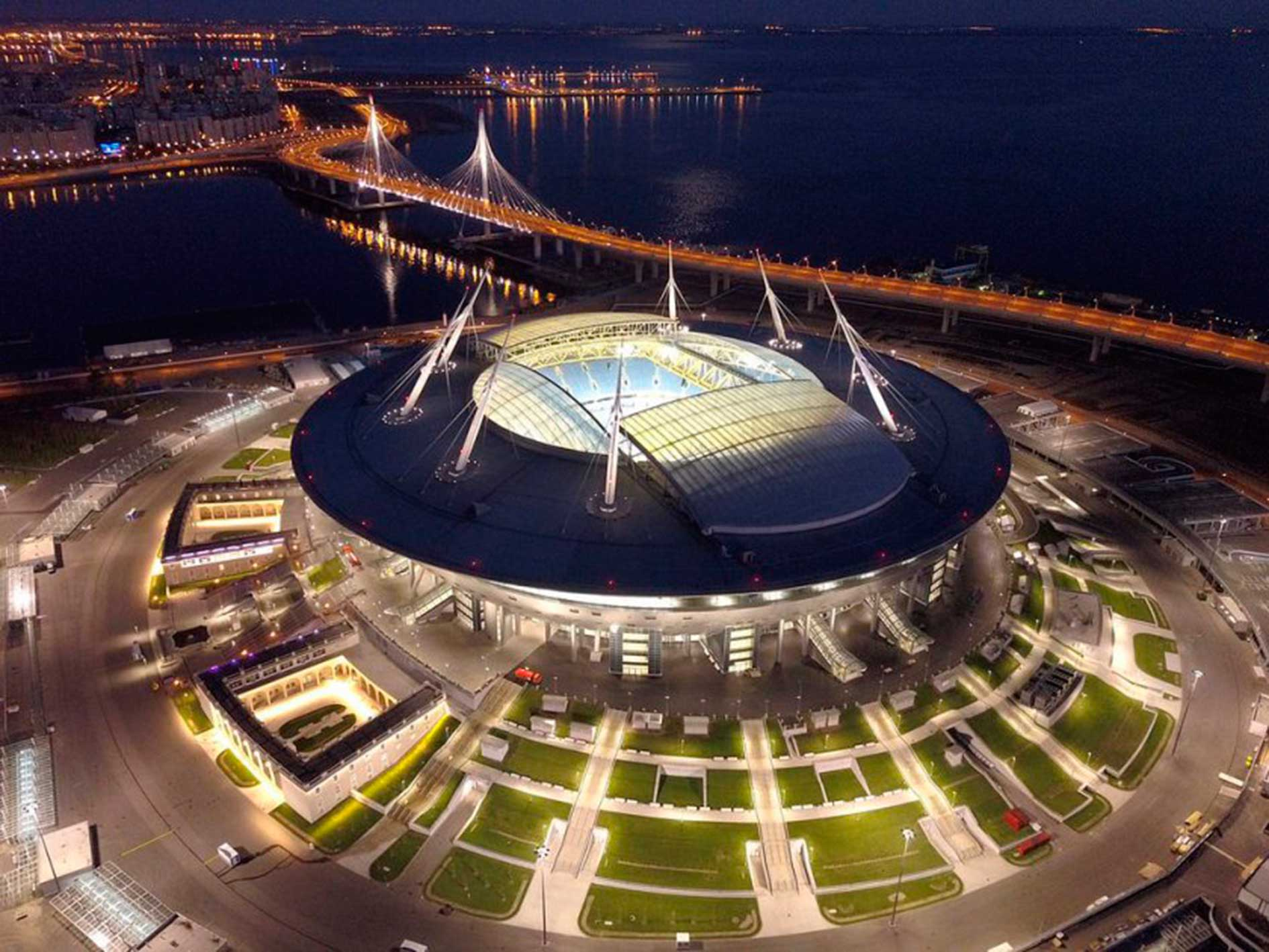 Estadio Krestovsky de Noche