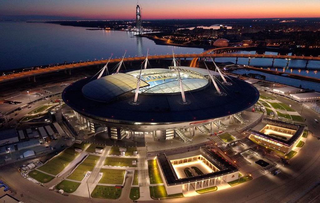 estadio krestovsky noche