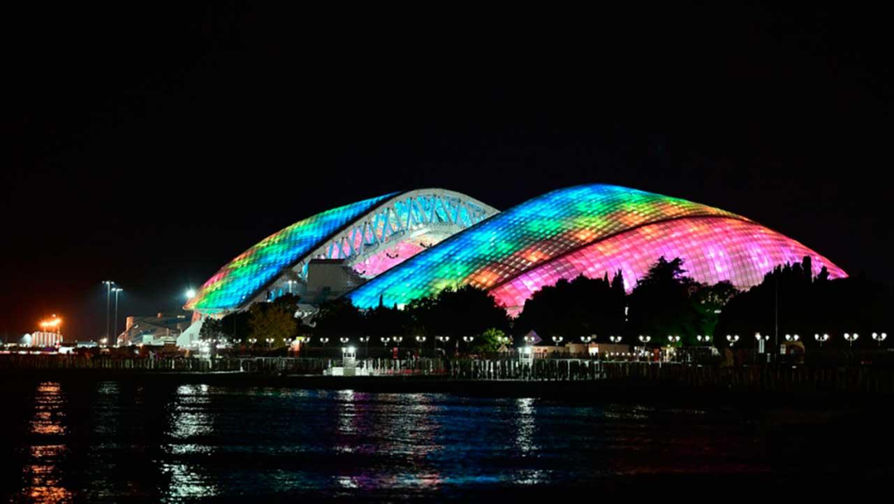 Estadio Fisht de Noche